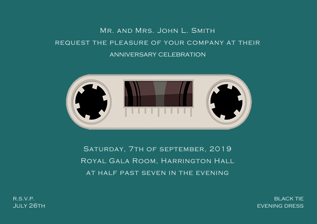 Online invitation card designed as a cassette in color of choice. Green.