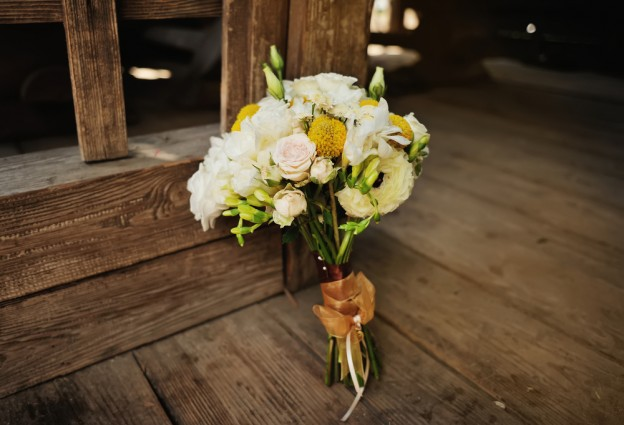 Flower Buquet as Headder for What's your wedding style.